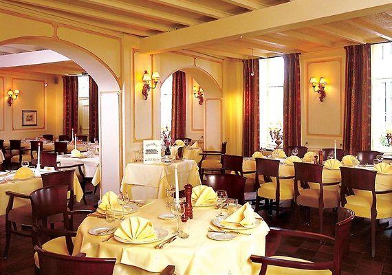 FLETCHER HOTEL LA VILLE BLANCHE, THORN   Book Hotel in Thorn